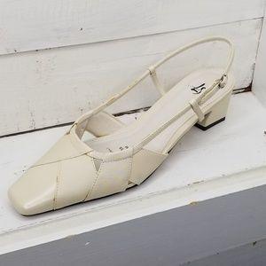 Life Stride Heel Sandal Cream Strap